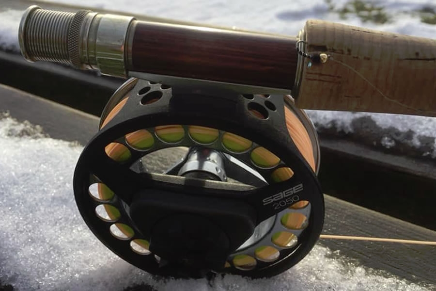 Fishing with a buzzer on the snow at Moffat Fishery January 2019